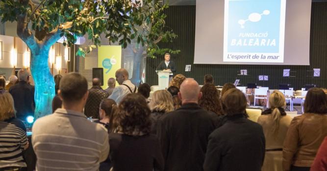 Més de 200 persones participen en el brindis nadalenc de la Fundació Baleària