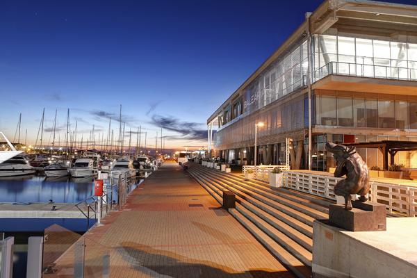(Español) Los pasajeros valoran Baleària Port con un notable alto