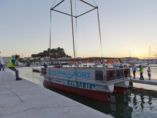 (Español) 'La Panseta' ha transportado más de 400.000 pasajeros en tres años