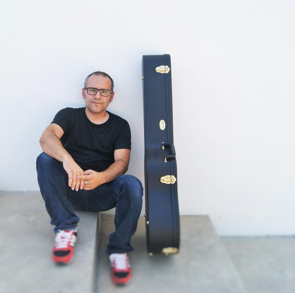 Bertomeu presenta su nuevo trabajo, 'Collita i llaurador', en Baleària Port