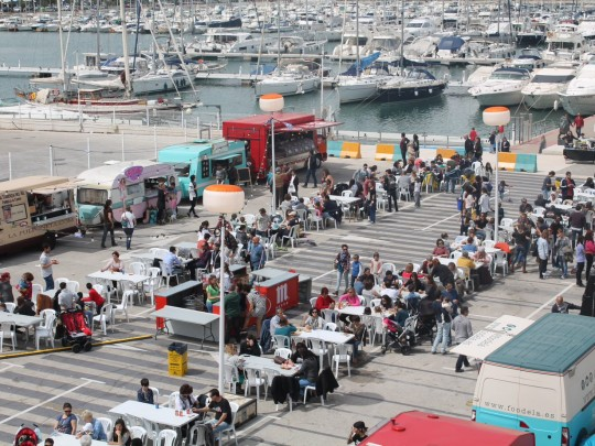 (Español) Baleària Port acogerá la feria 'Reto Food Trucks' que combina música y gastronomía