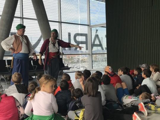 (Español) Unos 850 alumnos participan en el programa Historias de 'La Panseta' de la Fundación Baleària y el grupo de teatro Marfull