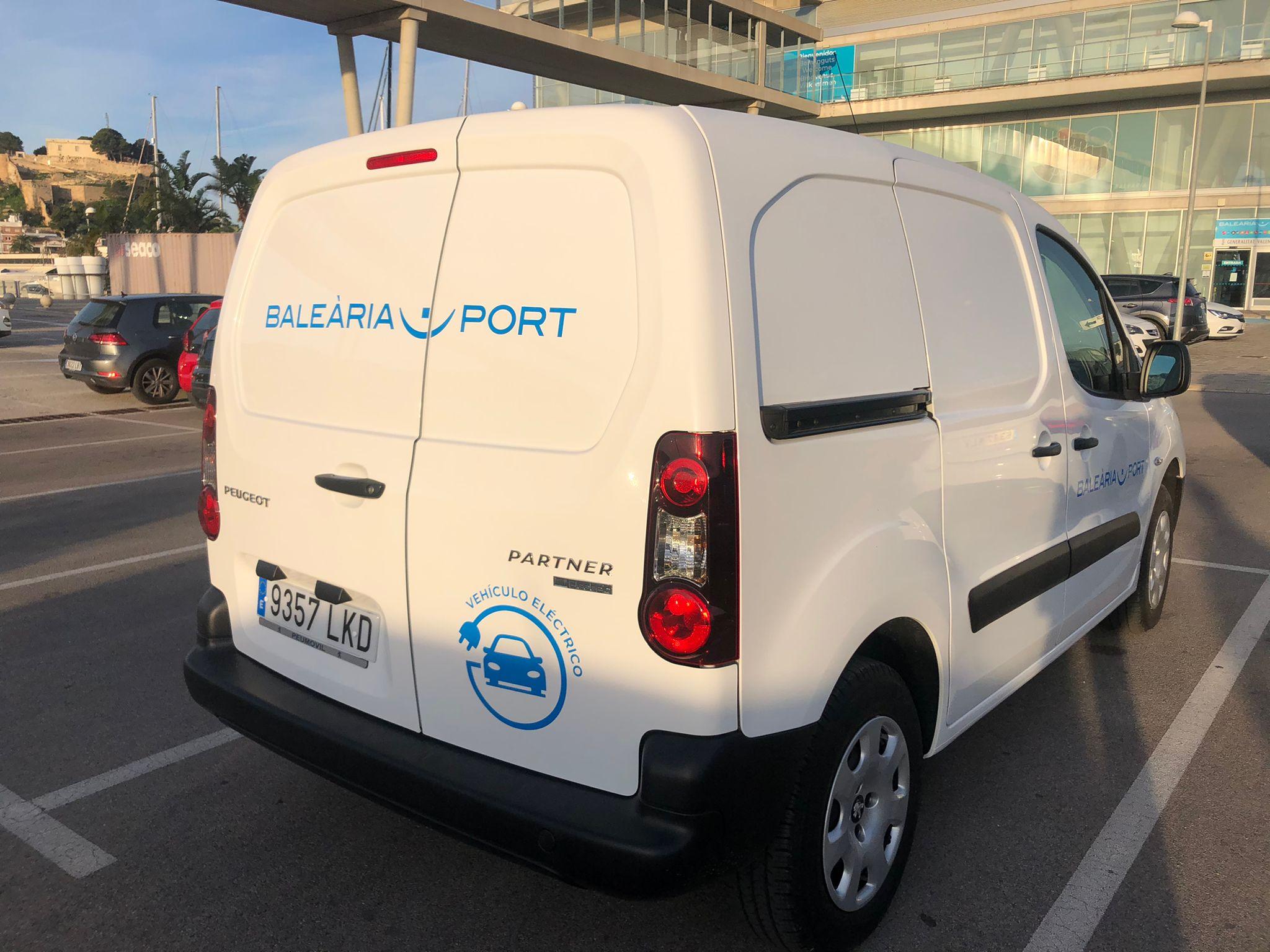 (Español) Baleària adquiere un coche 100% eléctrico para las operaciones portuarias en Dénia